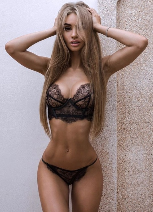 What is an escort girl